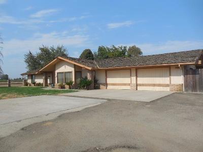 Dinuba Single Family Home For Sale: 40983 Road 70