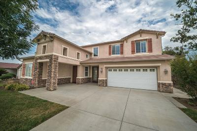 Hanford Single Family Home For Sale: 2072 Charlie Chambers Drive
