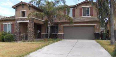 Porterville Single Family Home For Sale: 2479 W Nancy Avenue