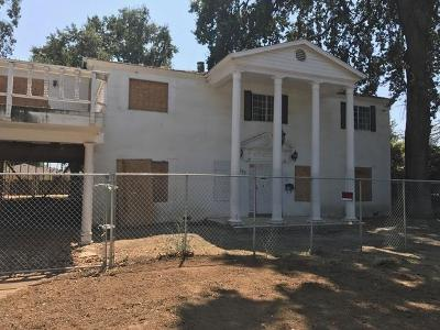 Visalia Single Family Home For Sale: 1333 W Laurel Avenue