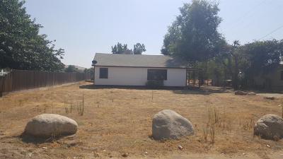 Porterville Single Family Home For Sale: 1643 E Springville Avenue