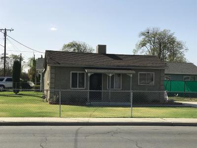Hanford Single Family Home For Sale: 828 S Phillips Street