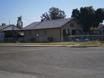 Exeter Single Family Home For Sale: 357 N D Street
