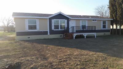Visalia Single Family Home For Sale: 2641 S Burke Street
