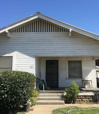 Dinuba Single Family Home For Sale: 204 S Q Street