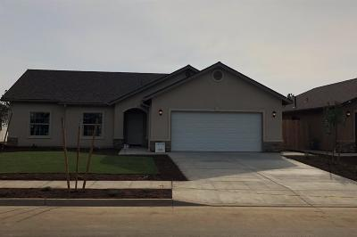Visalia Single Family Home For Sale: 1011 E Vine Court