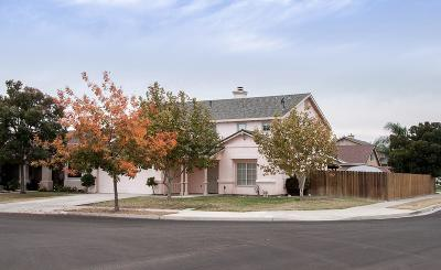 Lemoore Single Family Home For Sale: 641 Contenta Court