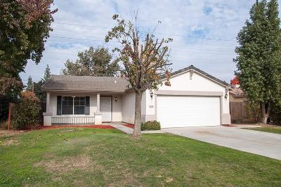 Visalia Single Family Home For Sale: 1800 E Country Court