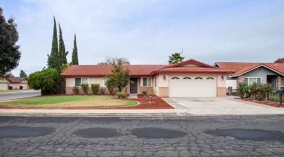 Hanford Single Family Home For Sale: 2104 Cherrywood Court