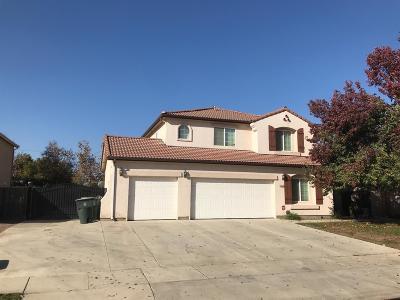 Visalia Single Family Home For Sale: 3715 N Silvervale Street