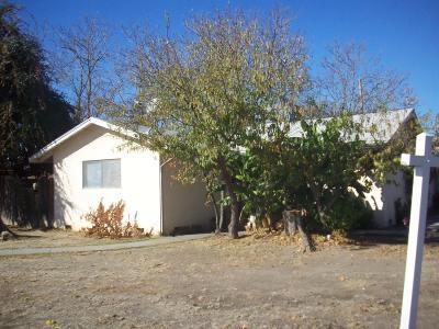Visalia Single Family Home For Sale: 1208 W Robin Drive