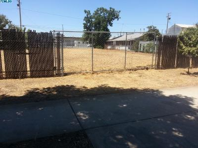 Tulare County Residential Lots & Land For Sale: 253 S Elmwood Avenue