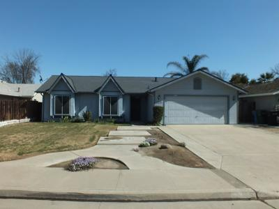 Hanford Single Family Home For Sale: 2231 Cottonwood Court