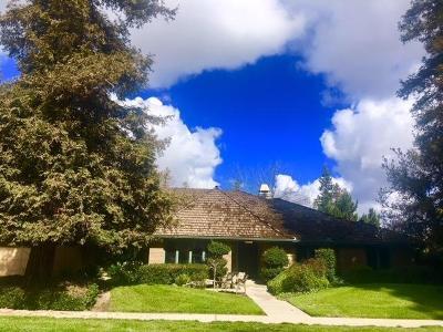 Visalia Single Family Home For Sale: 110 E Parkview Avenue E