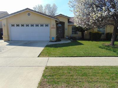 Tulare CA Single Family Home For Sale: $239,900