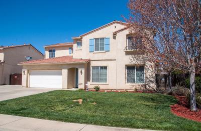 Visalia Single Family Home For Sale: 3934 E Cambridge Avenue