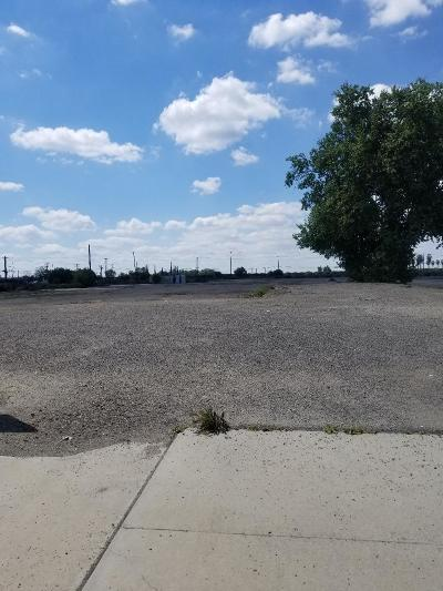 Tulare County Commercial For Sale: 555 S Mirage Avenue