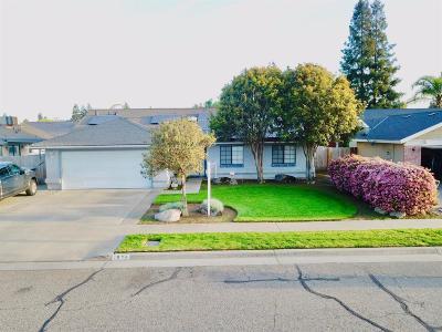 Tulare Single Family Home For Sale: 1975 E Eastbrook Avenue