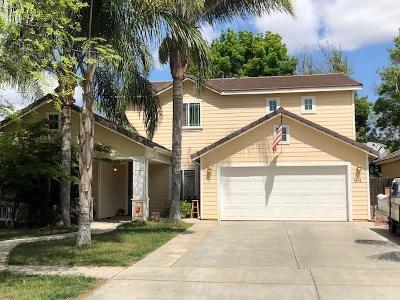 Visalia Single Family Home For Sale: 914 W Russell Avenue S