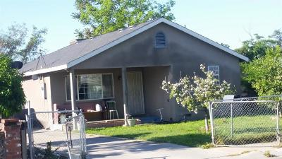 Visalia Single Family Home For Sale: 809 E Roosevelt Avenue