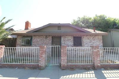 Visalia Single Family Home For Sale: 1104 N West Street