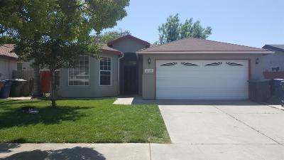 Tulare Single Family Home For Sale: 1725 Martinho Avenue