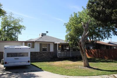 Visalia Single Family Home For Sale: 1847 S Church Street