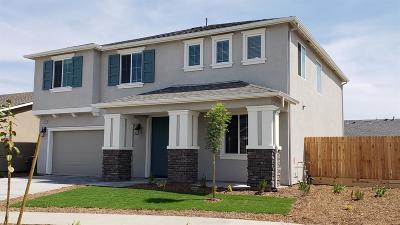 Visalia Single Family Home For Sale: 3909 E Kaweah Avenue N #Lot27