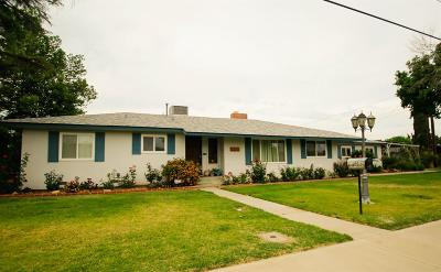 Lemoore Single Family Home For Sale: 130 Toomey Street