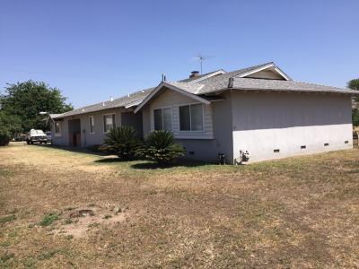 Tulare County Single Family Home For Sale: 23471 Ave 192
