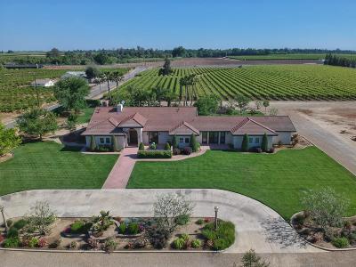 Kingsburg Single Family Home For Sale: 41747 Road 38