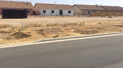 Porterville Single Family Home For Sale: 1 New Construction