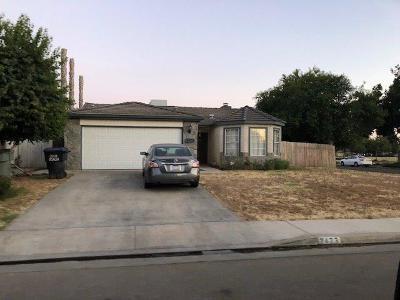 Visalia Single Family Home For Sale: 2423 W Prospect Avenue