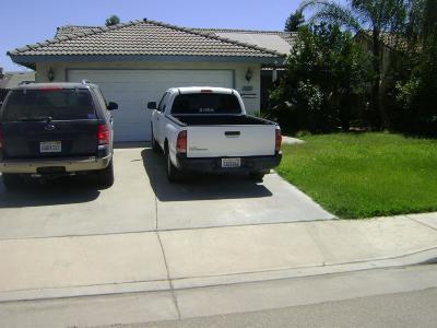 Kingsburg Single Family Home For Sale: 142 Sunset Street