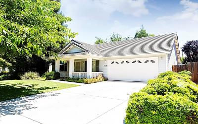 Visalia Single Family Home For Sale: 3728 S Pride Court