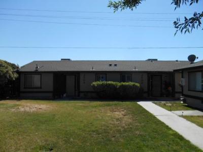 Visalia Multi Family Home For Sale: 2500 W Victor Avenue