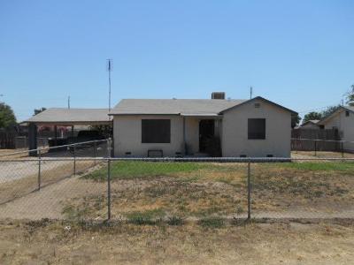 Pixley Single Family Home For Sale: 533 W Bradbury Avenue