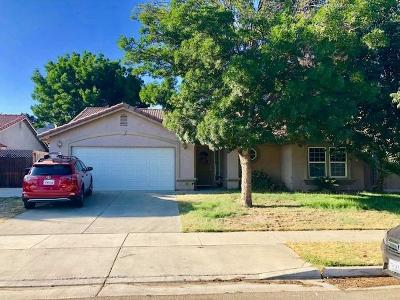 Lemoore Single Family Home For Sale: 1012 Scotland Street
