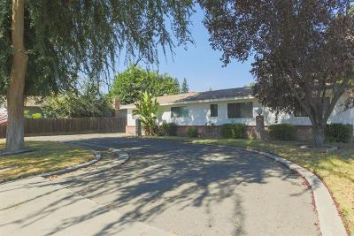 Visalia Single Family Home For Sale: 415 N Divisadero Street
