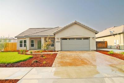 Visalia Single Family Home For Sale: 6500 W Delaware Court