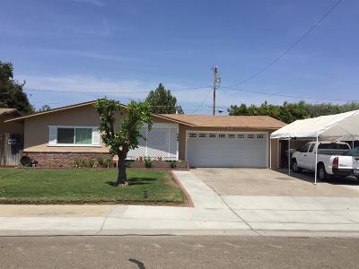 Visalia Single Family Home For Sale: 249 N Vista Street