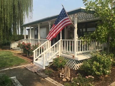 Kingsburg Single Family Home For Sale: 38857 Road 28