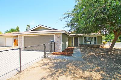 Porterville Single Family Home For Sale: 410 W Garden Lane