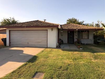 Pixley Single Family Home For Sale: 1570 E Carol Avenue