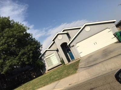 Porterville Single Family Home For Sale: 658 S Cottage Street
