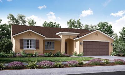 Dinuba Single Family Home For Sale: 756 Sarah Lane