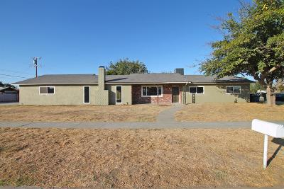 Tulare Single Family Home For Sale: 954 Martin Luther King Jr Avenue