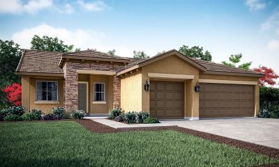 Visalia Single Family Home For Sale: 532 E Copper Avenue