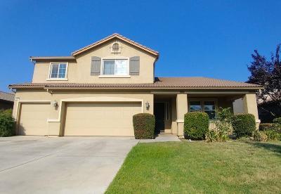 Visalia Single Family Home For Sale: 2325 N Silvervale Street