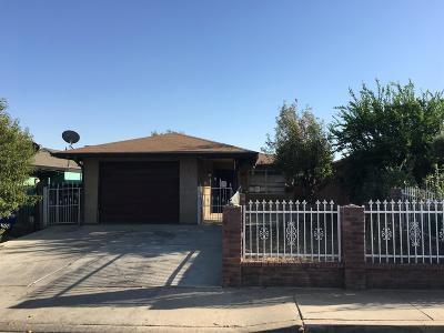 Porterville Single Family Home For Sale: 877 Mohoff Court